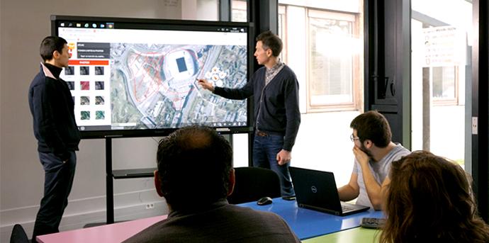 L'écran interactif est l'outil collaboratif favori des collaborateurs